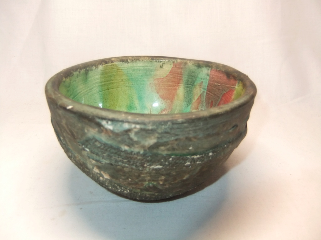 Anyone able to read the writing on this Green Glazed Bowl Dish? A/H _ /98? Dscf5637