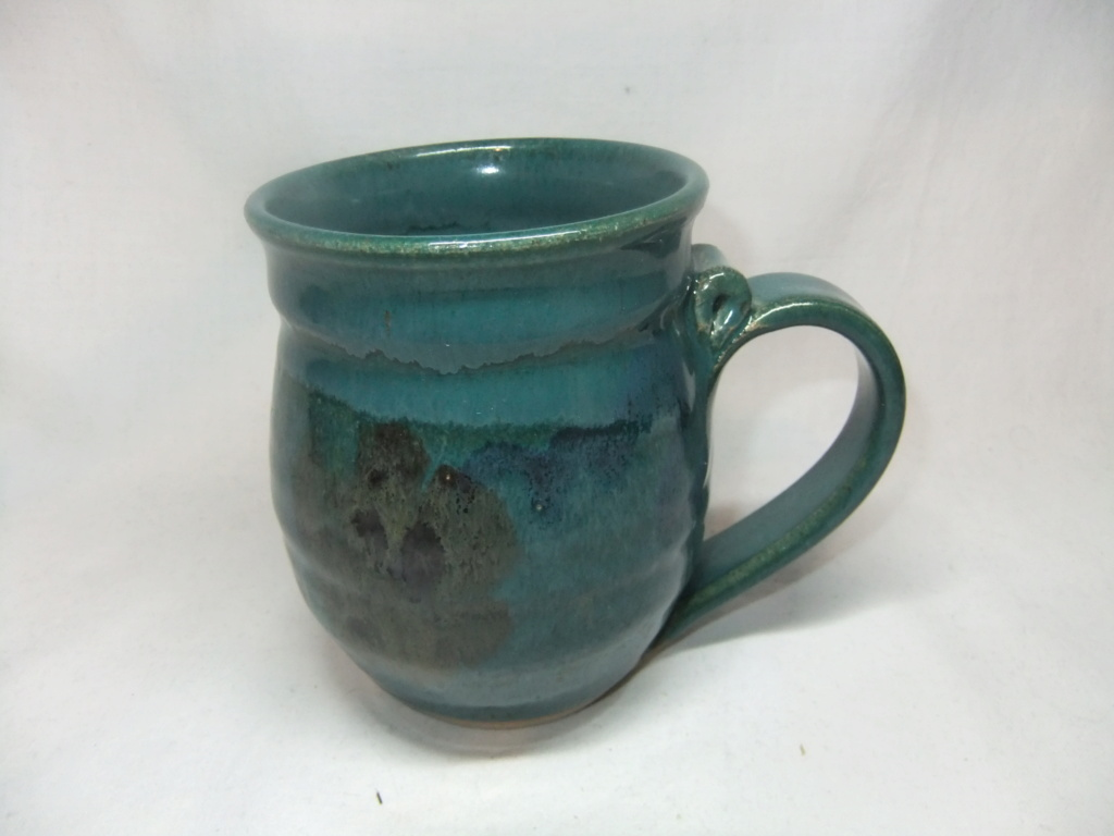 Anyone recognize the maker of this unmarked mouse mug? Dscf7011