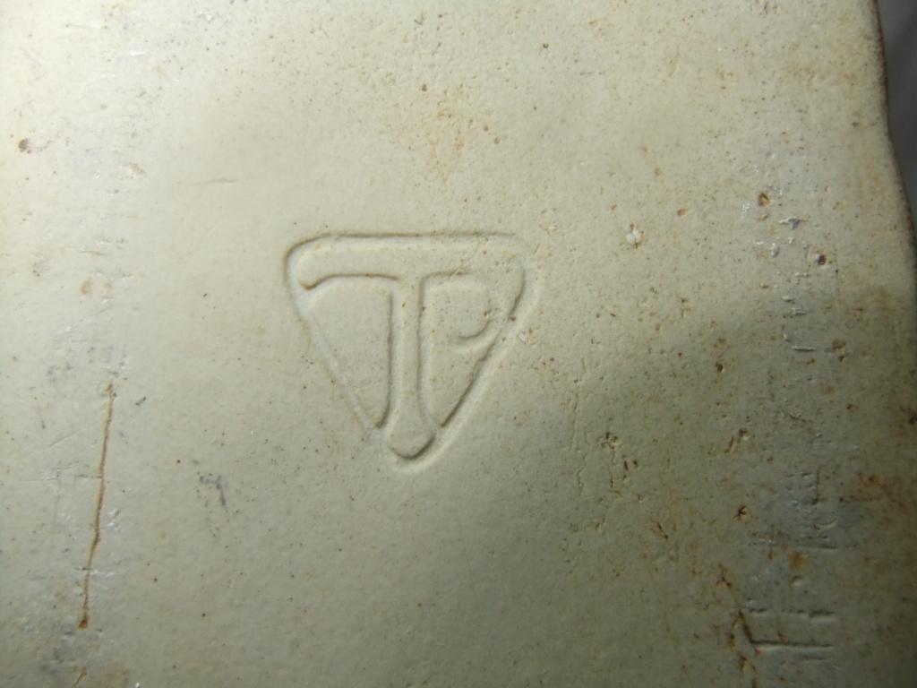 Roger Veal, Tolcarne Pottery, Newlyn - TP mark Dscf8023