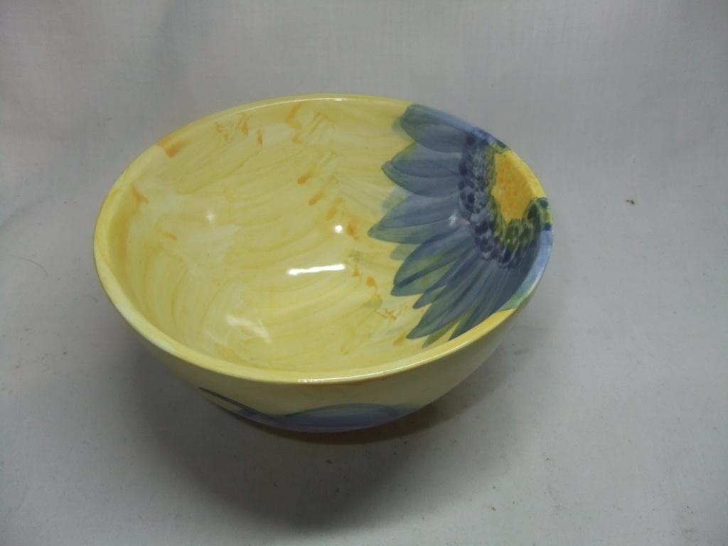 signed floral bowl - Suzanne Katkhuda Dscf9849
