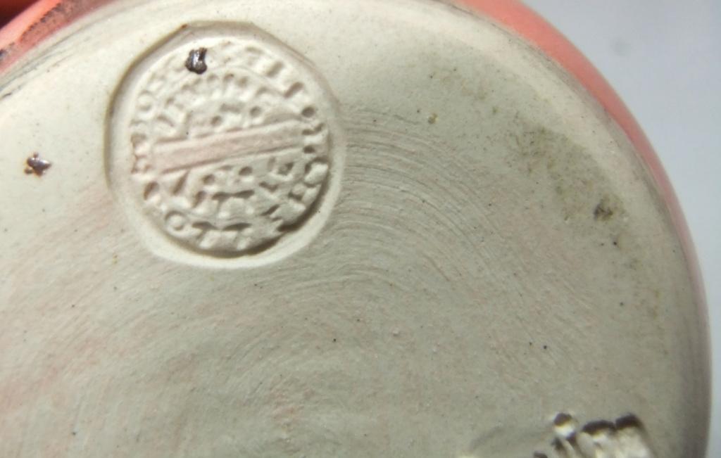 Mochaware pottery salt shaker by Boscastle Pottery  Dscf9863