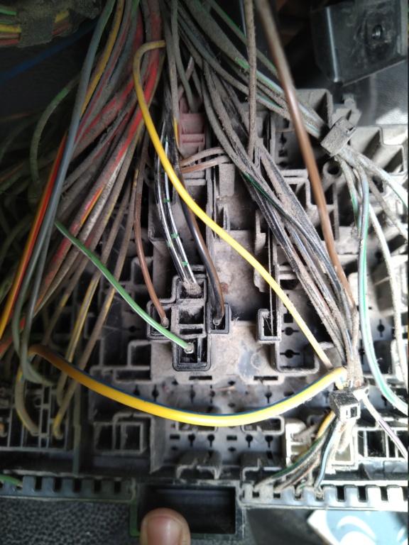 [MK4] problème de connexion élec centrale clignotant. Img_2010