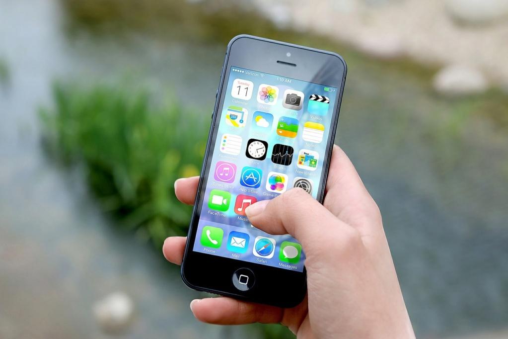 On réserve ! - Unité 2 - Comment utilises-tu ton téléphone? Iphone10