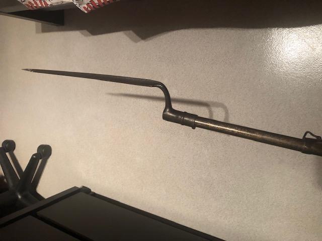 Fusil à poudre noire avec baïonnette Img_6814