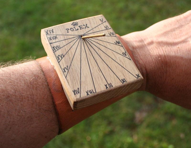 recherche montre carrée ou rectangulaire à prix tout doux Montre10