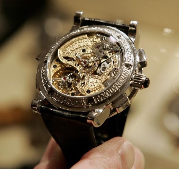 Quelle est la montre la moins chére et la plus chére avec un 7750 ? 610x11