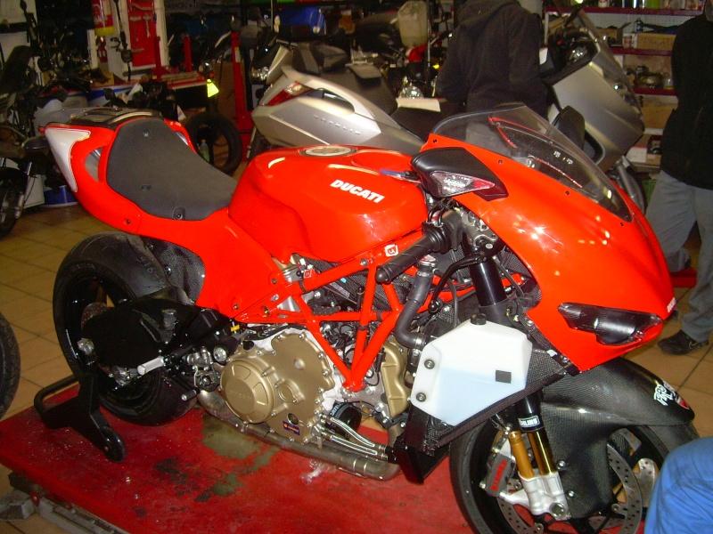 The V4 Ducati. Dscn6842
