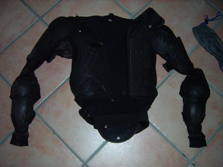 [VENTE] protections corporelles Imgp0114
