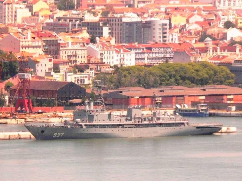 سفينة القيادة الجزائرية  الصومام River_10