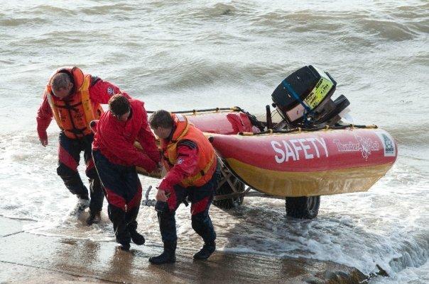 CrisCat, présentation  THUNDERCAT : un bateau idéale pour les sauveteurs en Mer 5032_110