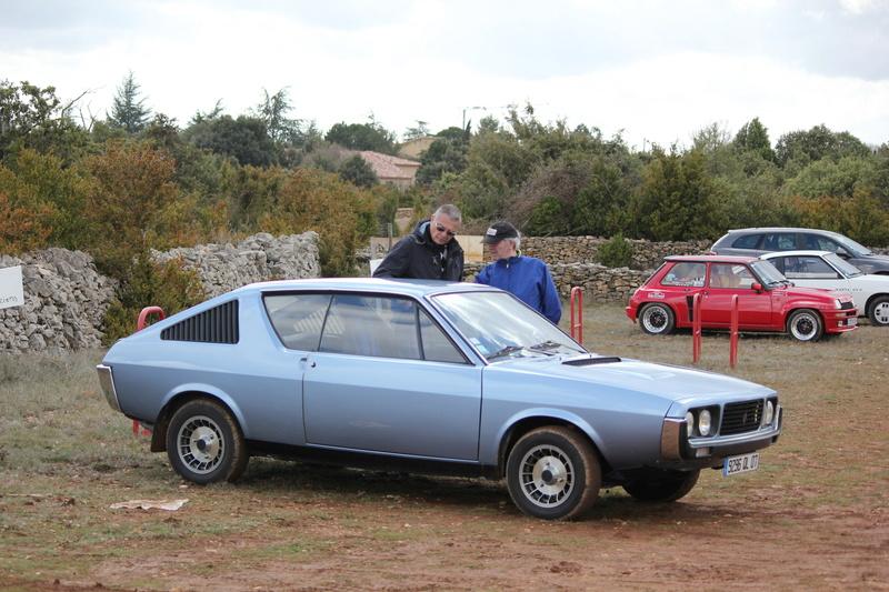 Photos de quelques anciennes............voitures! - Page 5 Img_0420