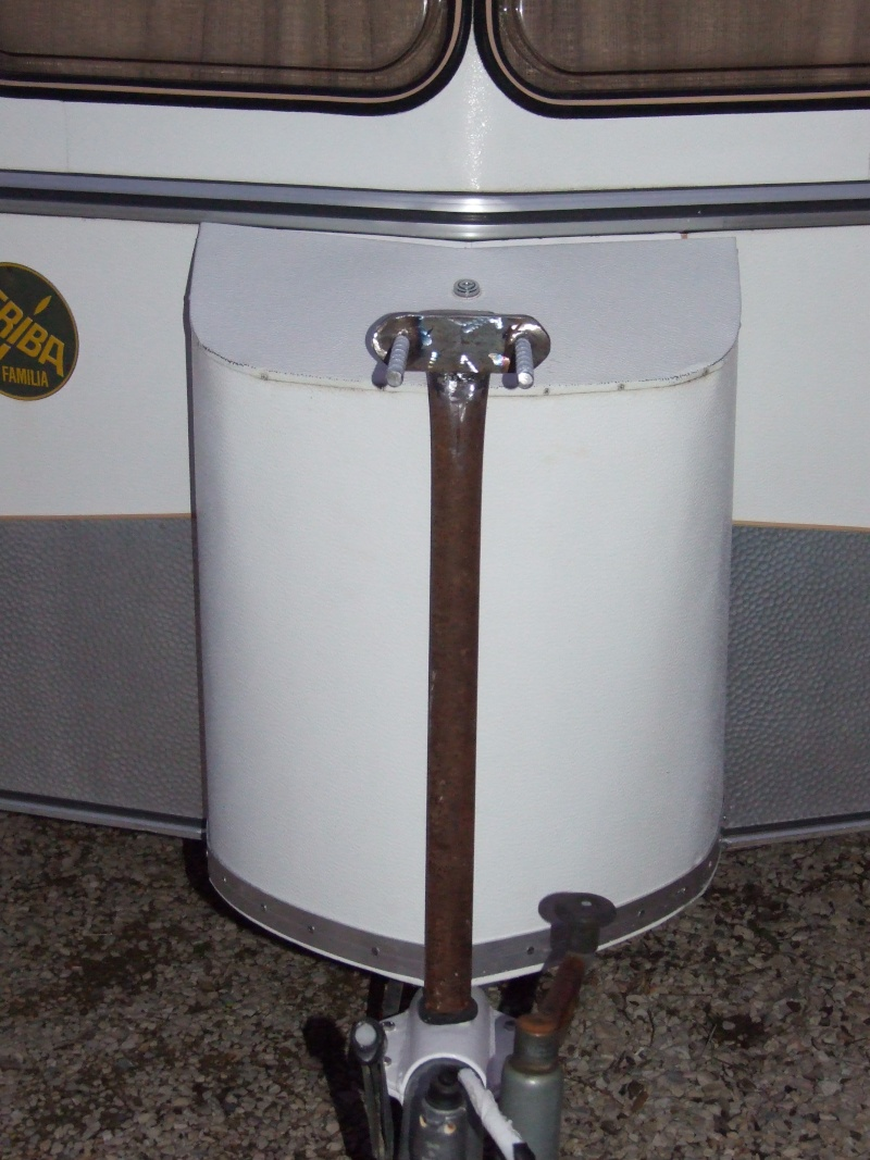 Porte roue de secours sur timon Bride313