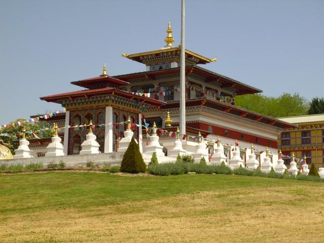 un temple bouddhiste ! Img_0811