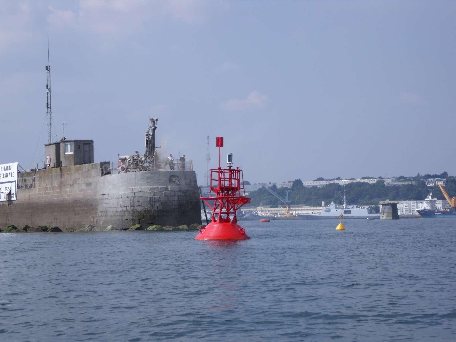 [Les ports militaires de métropole] Port de BREST - TOME 2 - Page 4 Musoir10