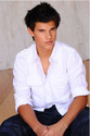 Taylor Lautner 26365210