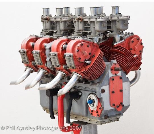V8 Ducati Pictu114