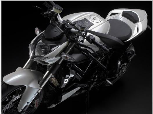 nouvelle Ducati... - Page 3 Pictur36