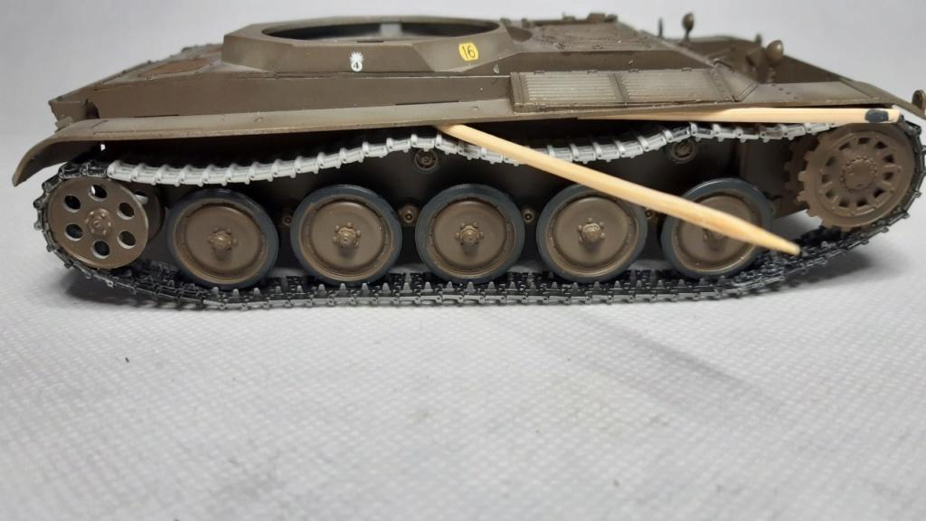 AMX 13 tourelle Chaffee (Takom 1/35°) terminé - Page 2 Ch_1210