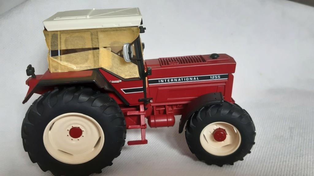 Tracteur International 1255 au 1/32° Marque Schuco ( terminé ) Thumb123