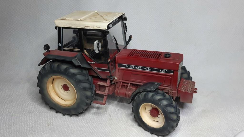 Tracteur International 1255 au 1/32° Marque Schuco ( terminé ) Thumb125