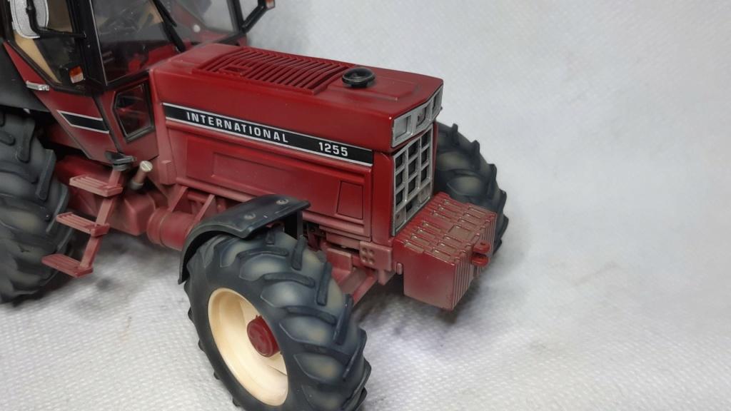Tracteur International 1255 au 1/32° Marque Schuco ( terminé ) Thumb126