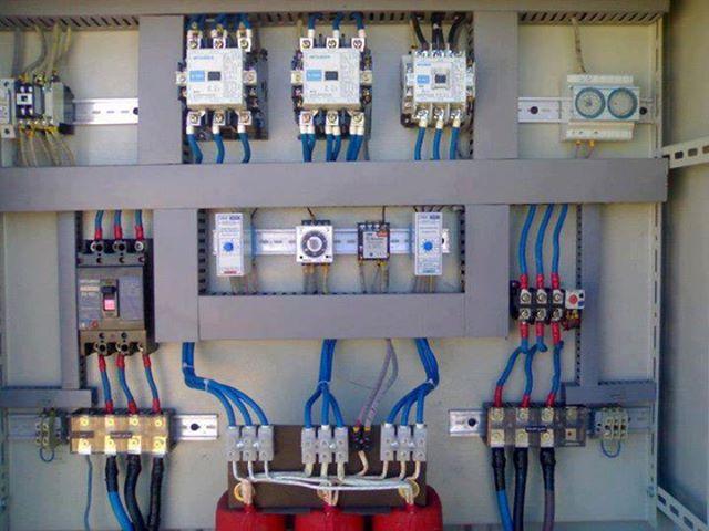 لوحة - لوحة التحكم الكهربائي الألي 10692710