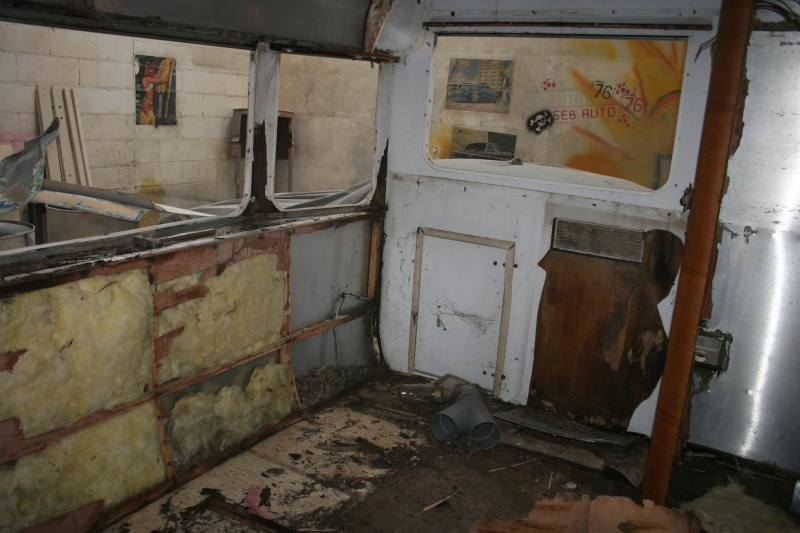 RESTAURATION DUNE CARAVANE TYPE MOBIL HOME THEILLAY 650 LOFT VINTAGE - Page 4 A_trie13