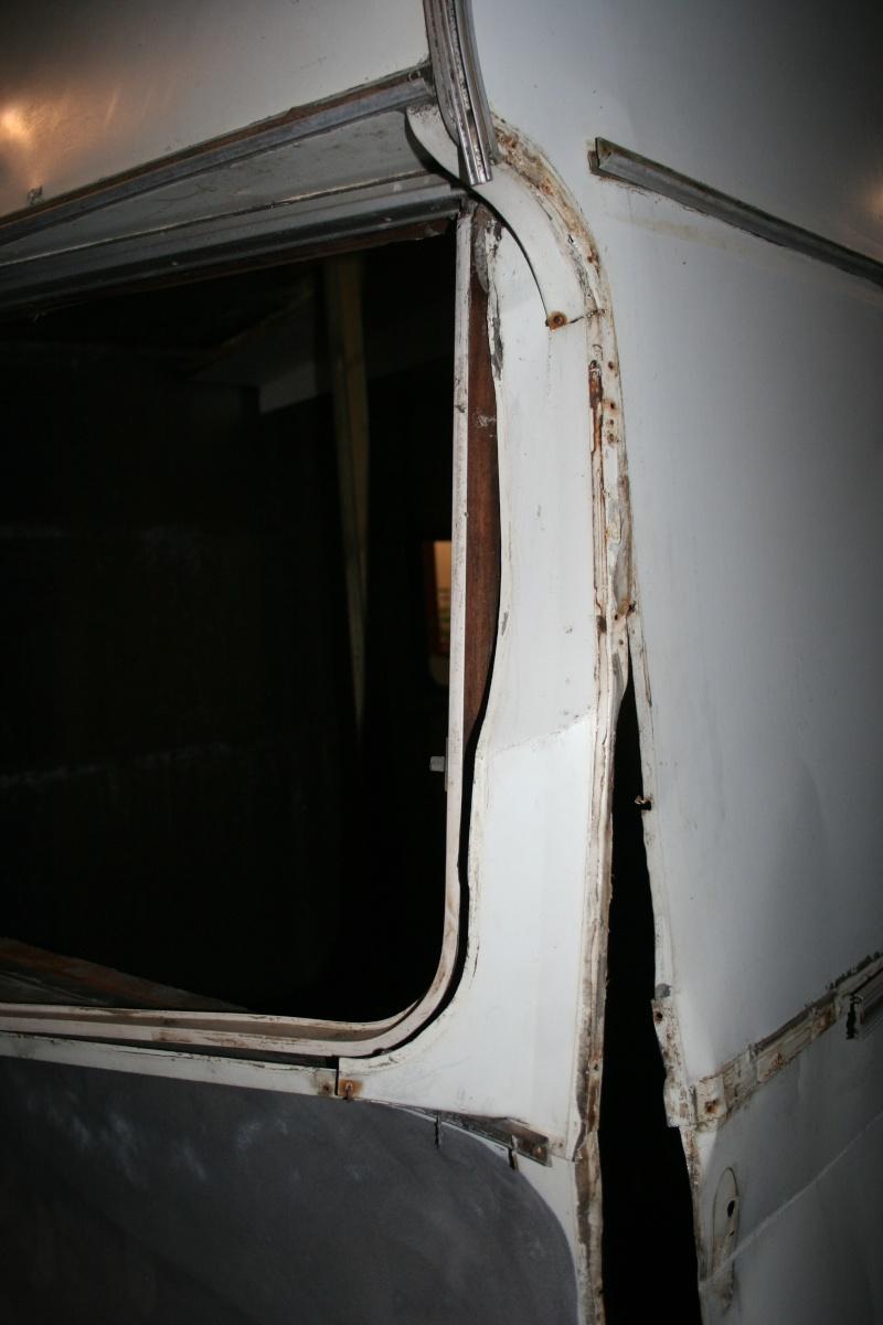 RESTAURATION DUNE CARAVANE TYPE MOBIL HOME THEILLAY 650 LOFT VINTAGE - Page 4 A_trie16