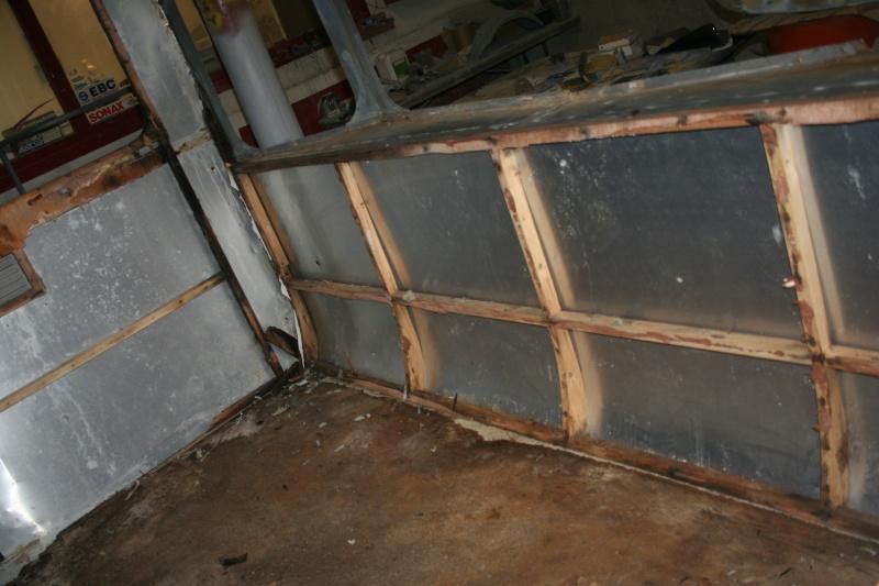 RESTAURATION DUNE CARAVANE TYPE MOBIL HOME THEILLAY 650 LOFT VINTAGE - Page 4 A_trie24
