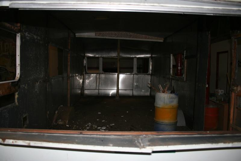 RESTAURATION DUNE CARAVANE TYPE MOBIL HOME THEILLAY 650 LOFT VINTAGE - Page 4 A_trie26