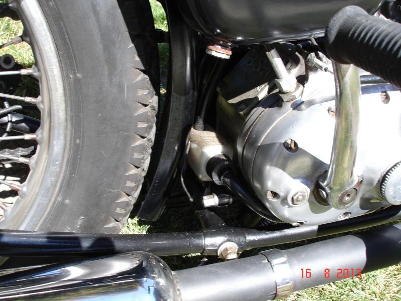 M20 fuite d'huile au niveau du reniflard Dsc06310