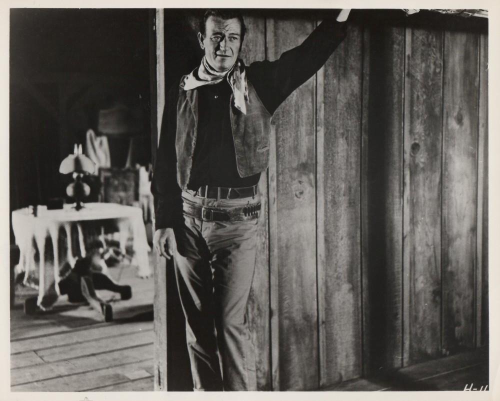 Hondo, l'Homme du Désert - Hondo - 1955 - Page 2 Wayne_95
