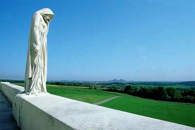 MEMORIAL CANADIEN - Vimy - Pas de Calais - France 14145210