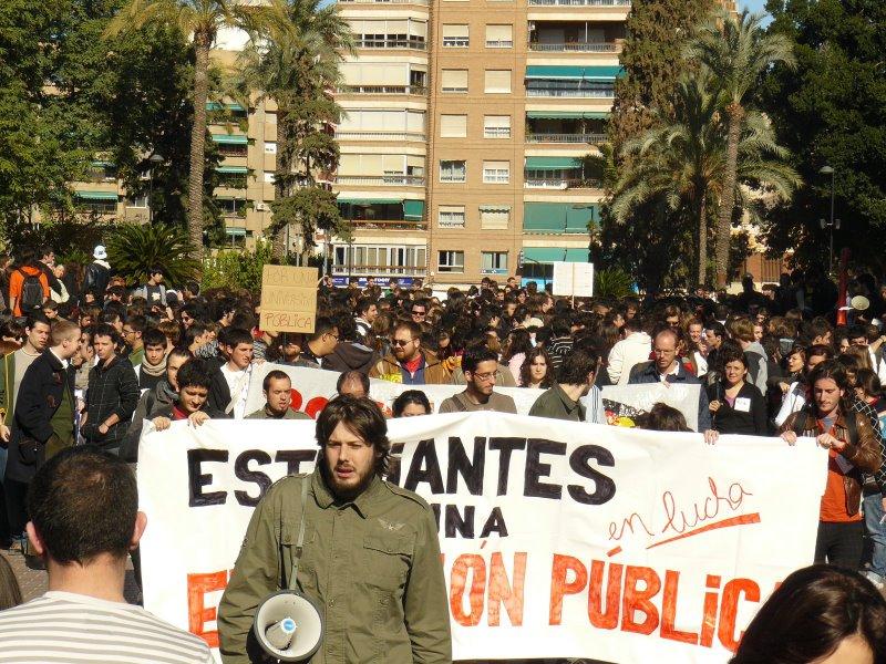 Manifestación en Murcia por la Educación Pública. STOP BOLONIA!! - Página 2 P1010810