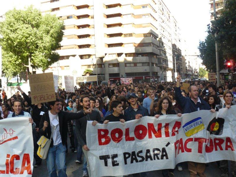 Manifestación en Murcia por la Educación Pública. STOP BOLONIA!! - Página 2 P1010910