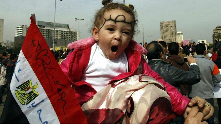 حصريا على منتدى الأرانب للجميع خفة دم الشعب المصرى أثناء المظاهرات مجموعه لن تجدها  الا هنا  02051113