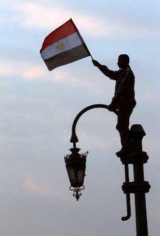 حصريا على منتدى الأرانب للجميع خفة دم الشعب المصرى أثناء المظاهرات مجموعه لن تجدها  الا هنا  02051118