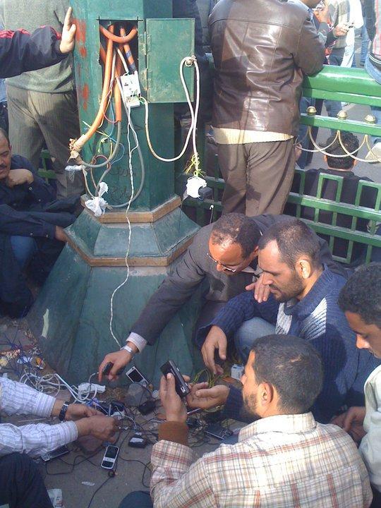 حصريا على منتدى الأرانب للجميع خفة دم الشعب المصرى أثناء المظاهرات مجموعه لن تجدها  الا هنا  18186410