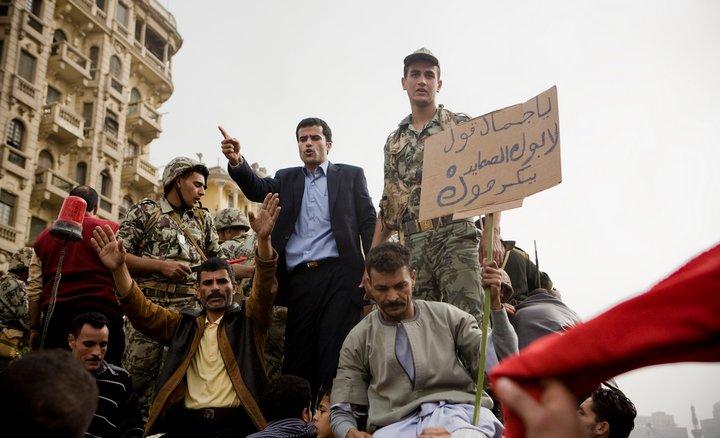 حصريا على منتدى الأرانب للجميع خفة دم الشعب المصرى أثناء المظاهرات مجموعه لن تجدها  الا هنا  18187110