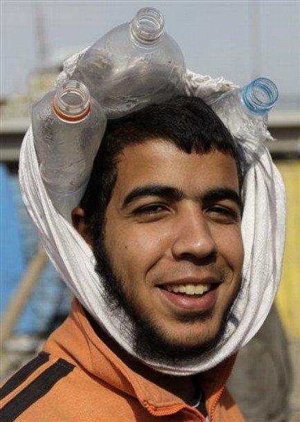 حصريا على منتدى الأرانب للجميع خفة دم الشعب المصرى أثناء المظاهرات مجموعه لن تجدها  الا هنا  D4i8e-10