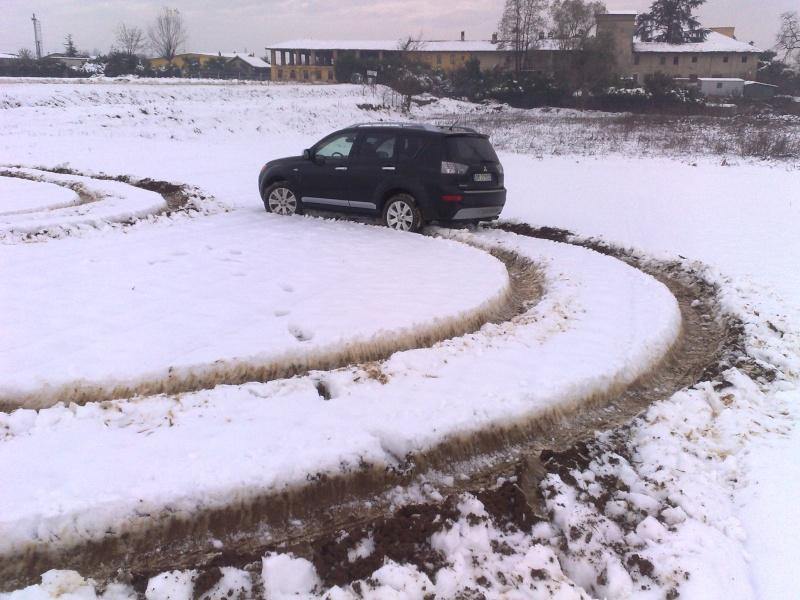 La prima volta sulla neve con l'out...... Neve_210