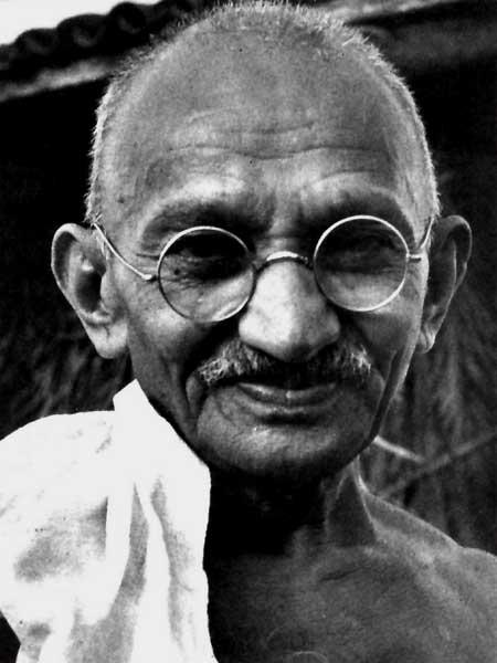 A ver Don Sapo, que te parecen estos rostros Gandhi10