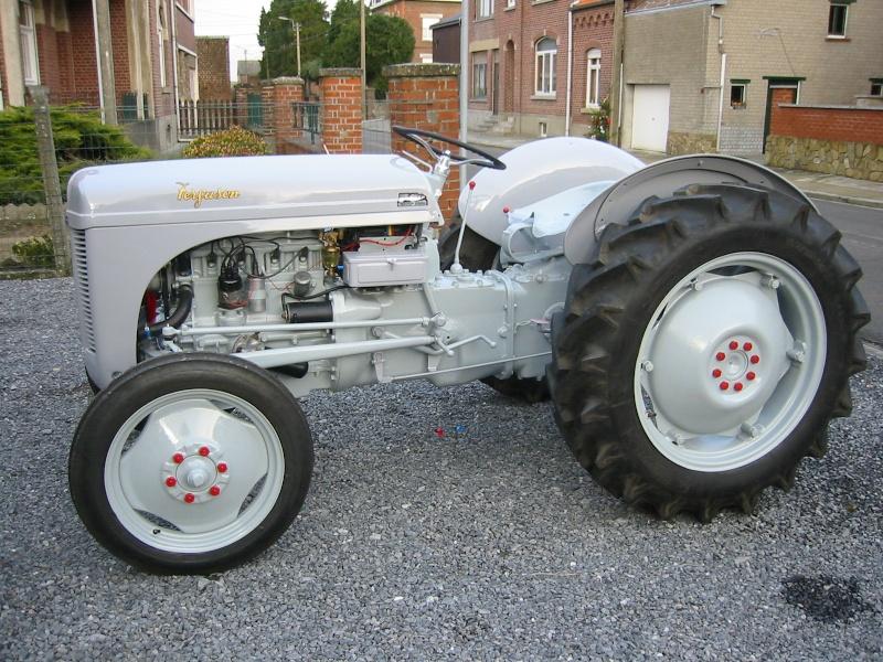 Quels tracteur rêviez-vous d'avoir quand vous étiez gosse ? Petitg10