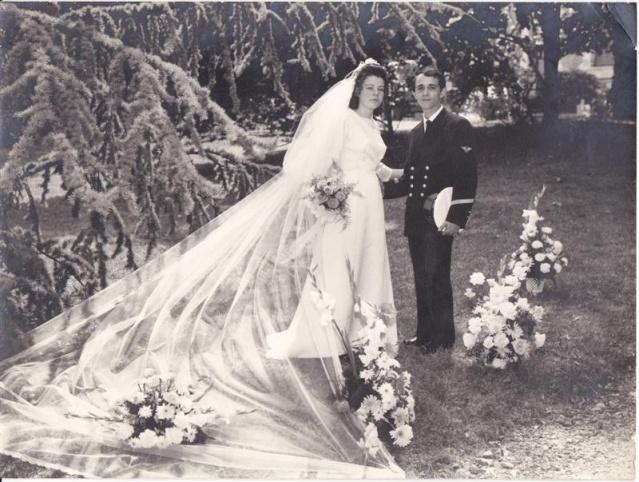 [Les traditions dans la Marine] Mariage en tenue - Page 2 Img_0012