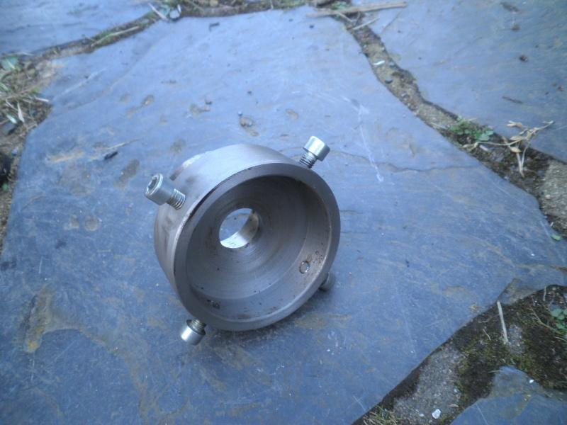 outil pour démonter les vis de moyeux rudge à ergots P3230511