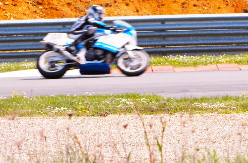 Un peu de bleu et blanc... RACING ! - Page 3 P4130010