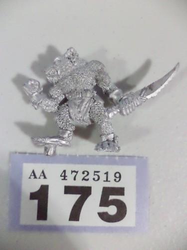"""Maître du Chapitre Space Marine """" Ultramarines """" en métal, 28 mm. - Page 2 Faux_o10"""