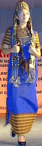 من الملابس التقليدية للمراة التركمانية Ant1010