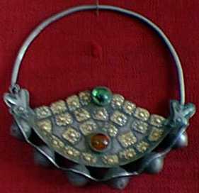 ادوات و زينة تقليدية للمراة التركمانية J1010