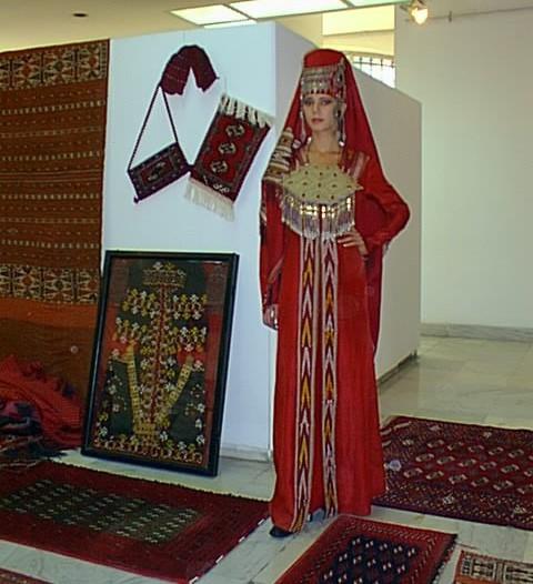 من الملابس التقليدية للمراة التركمانية Sergi011